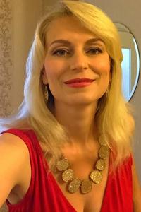 Lana,44-1