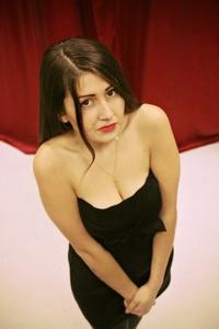Nina,25-6
