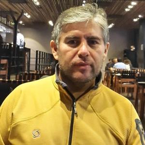 Jorge,42-3