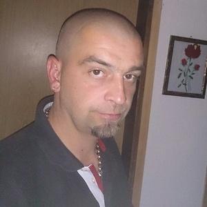 Robert,45-1