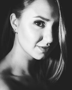Anna,20-2