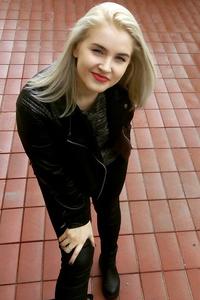 Kate,24-1