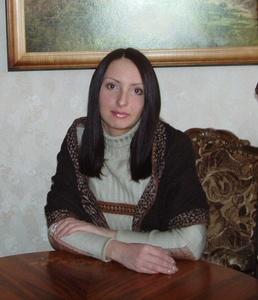 Elena,33-9