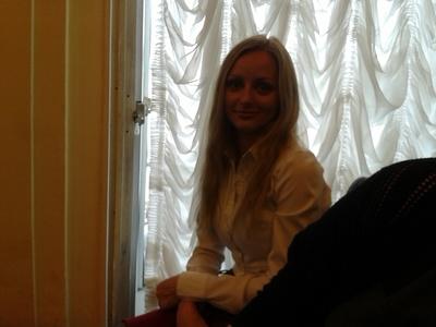 Anna,35-18