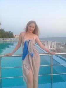 Anna,35-10