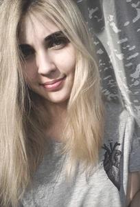 Karina,20-8