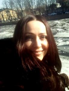 Elena,48-3