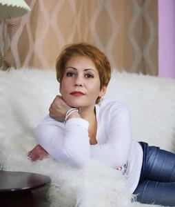 Nadya,43-2