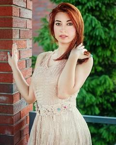 Elena,25-7