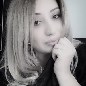Anya,36-2