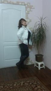 Elena,53-5