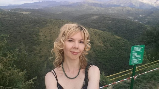Catherine,37-12