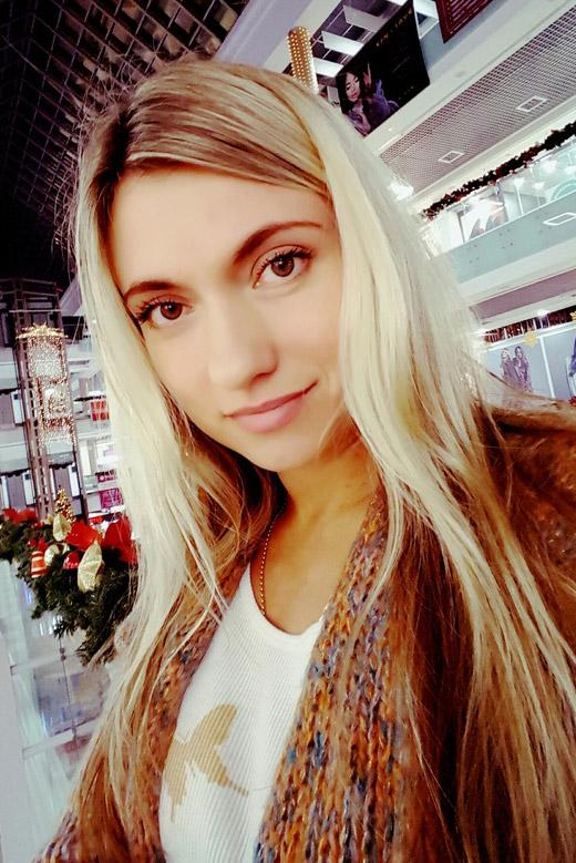 https://i.cuteonly.com/photos/33/10/25/beautiful-belarusian-woman-svetlana-177558-1.jpg