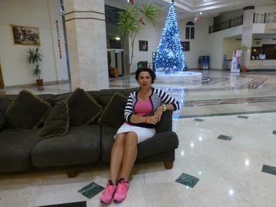 Irina,52-8