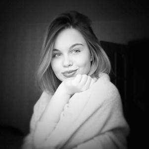 Alexandra,24-2
