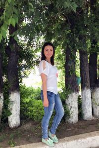 Christina,27-4