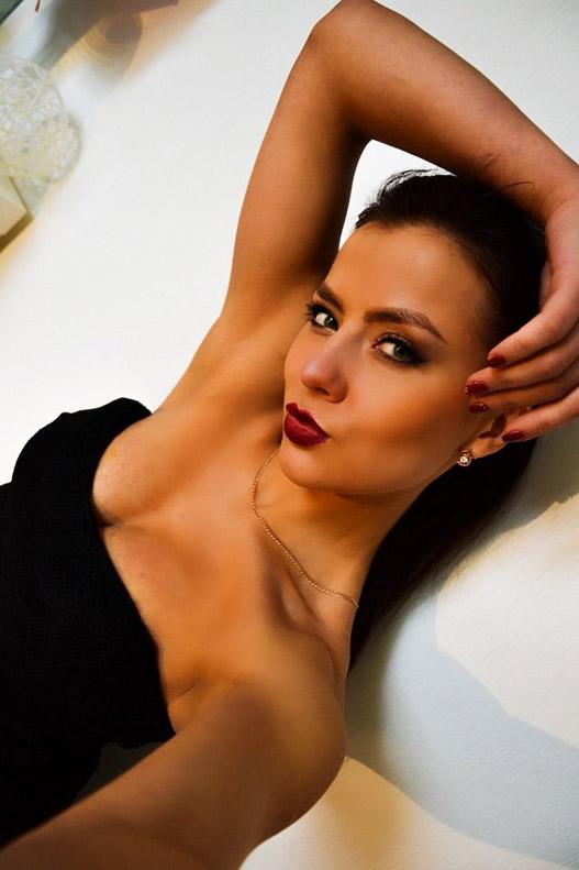 Anastasia, 30