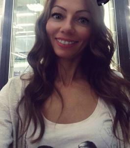 Yanina,36-18