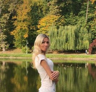Yanina,34-4