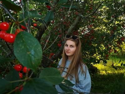 Oksana,25-4