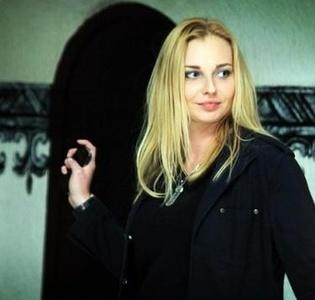 Olga,37-10