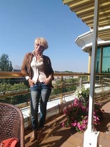 Valentina,55-9