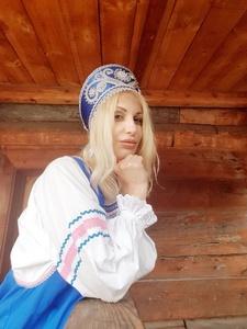 Oxana,37-31