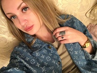 Polina,22-4