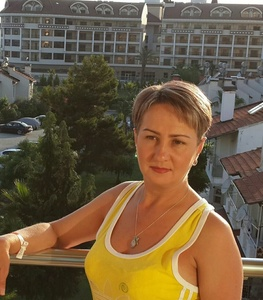 Elena,48-4