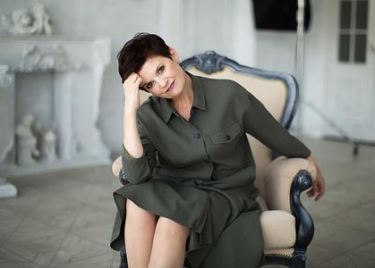 Elena,57-2
