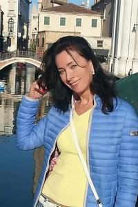 Angela,38-1