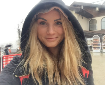 Eva,27-2