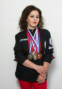 Alina,34-21