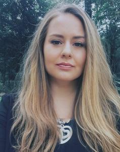 Yana,42-21