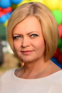 Elena,49-1