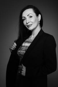 Elena,49-3