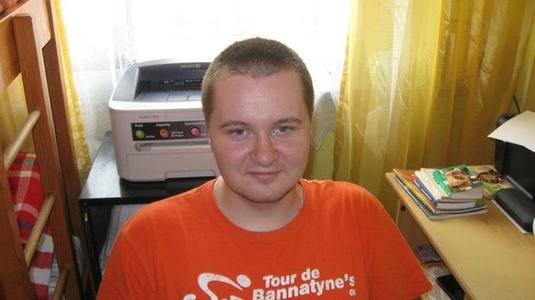 Maciej,28-8