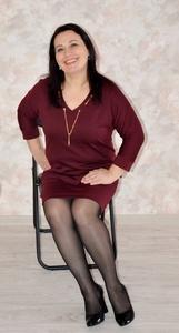 Elena,41-8