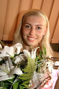 Anya,35-2