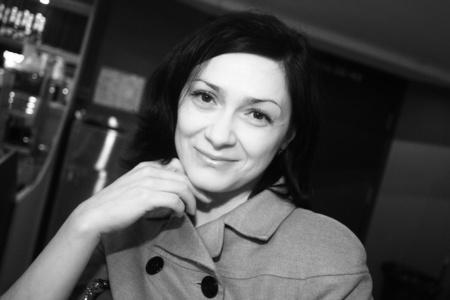 Anna,40-10