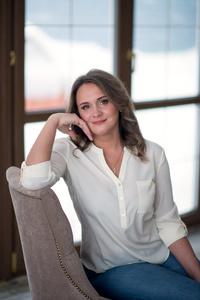Anastasia,37-2