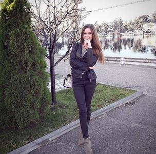 Natalia,24-3