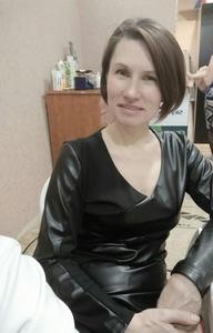 Anna,45-3