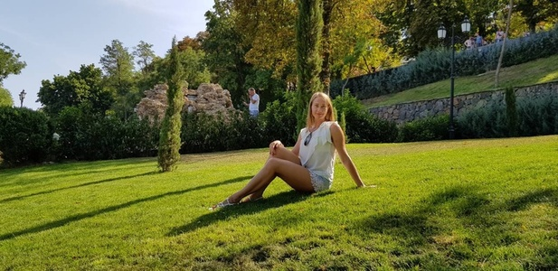 Anna,30-4