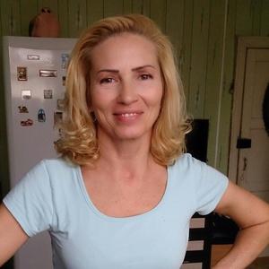 Valeria,49-4