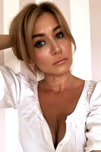 Yulia,39-1