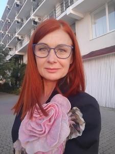 Elena,50-18