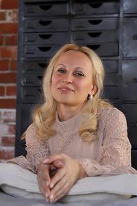 Julia,40-1