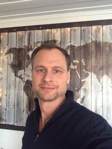 Fredrik,46-1