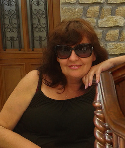 Elena,56-4